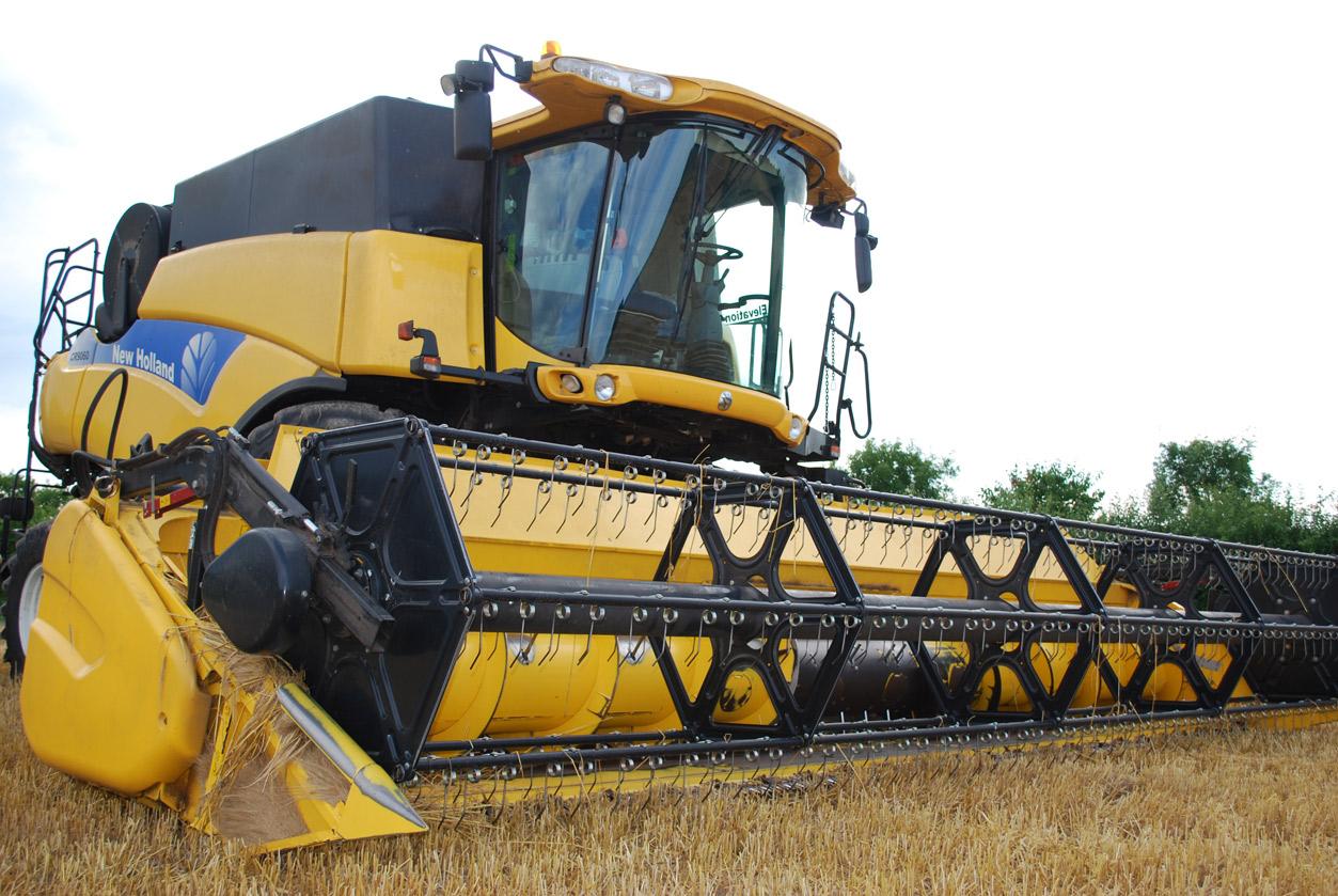 combine-harvester-702412