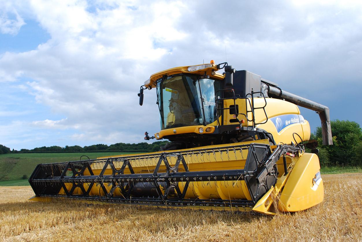 combine-harvester-702413