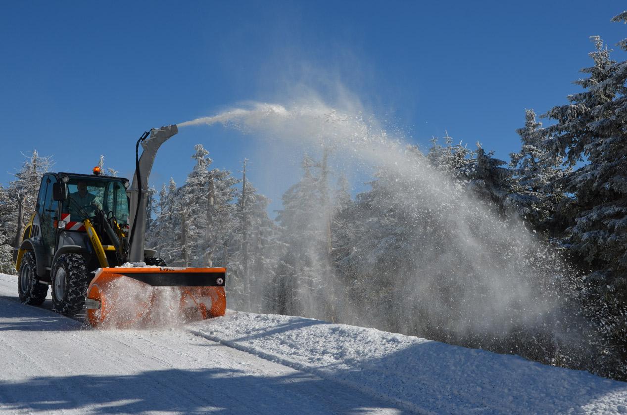 snow-plough-1612476